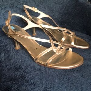 Stuart Weitzman Sandals 👡 Gold
